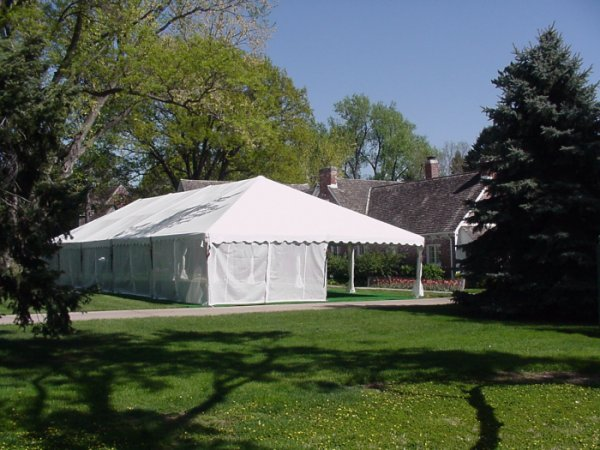 Omaha Nebraska party tent rental with screen walls & Omaha Tent rental - tent rental in Omaha Nebraska with screen walls