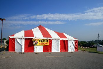 ... image of 40 X 60 red and white firework tent rental Lincoln Nebr & 40 X 60 Festival Firework Stand Tent